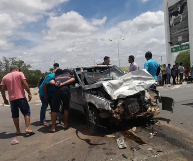 No sertão de Alagoas, cinco acidentes de trânsito deixaram 3 pessoas mortas e 14 feridas