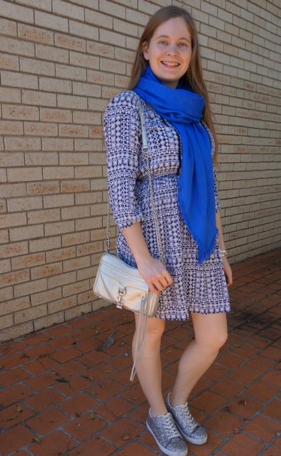 louis vuitton bleu shawl boho print dress silver glitter sneakers and mini MAC bag | awayfromblue