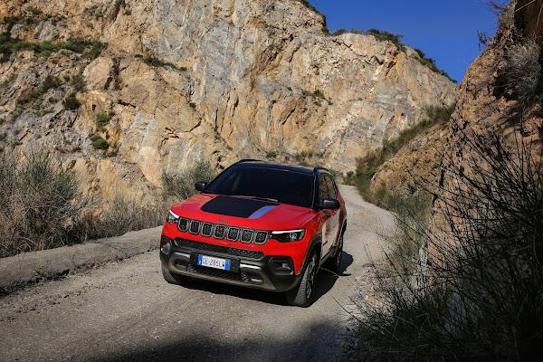 Novo Jeep Compass 2022: fotos das versões Trailhawk e S