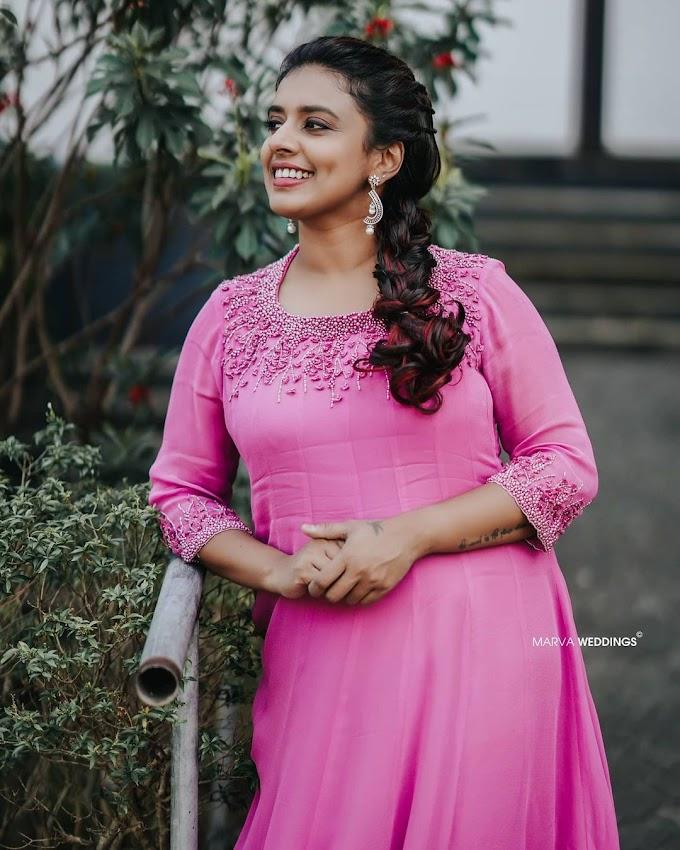 Singer Sithara Krishna Kumar Beautiful Photos