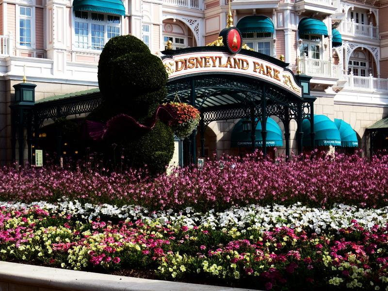 Ouverture de Disneyland Paris, vue de l'entrée jardin Fantasia