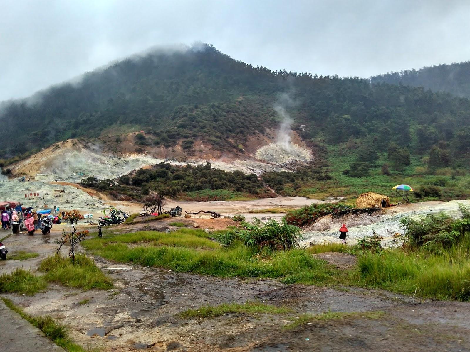 Kawah Sikidang Explore Kawah Terbesar Di Dieng Traveler Asik