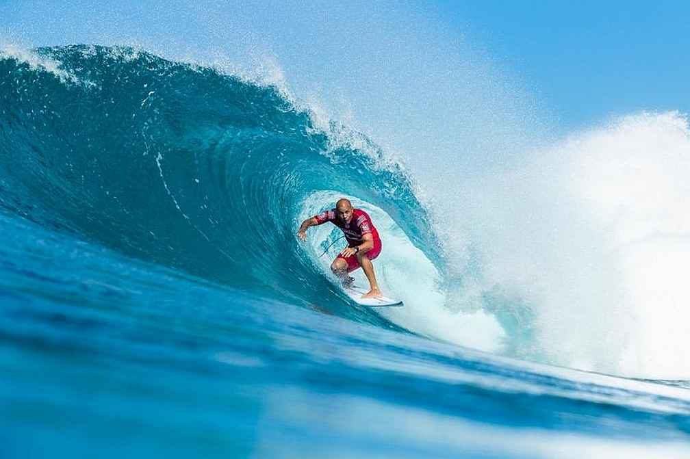 Every Heat is History at the Billabong Pipe Masters