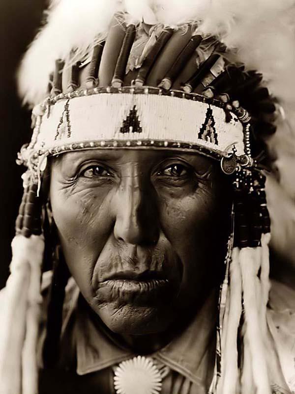Wild Kingdom: The Look: Native American Cheyenne Tribe