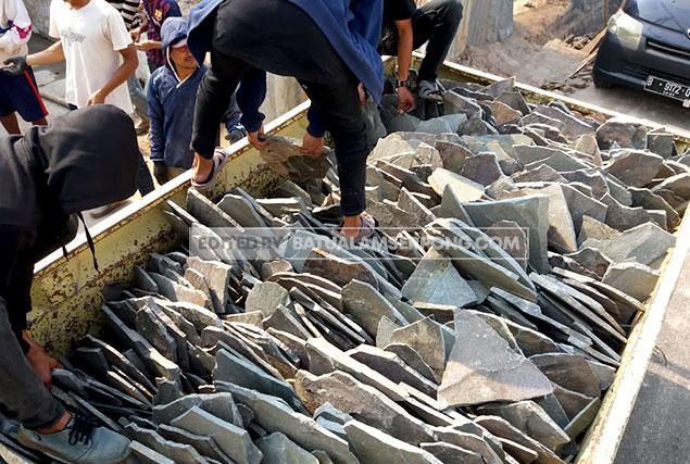 pengiriman batu alam templek