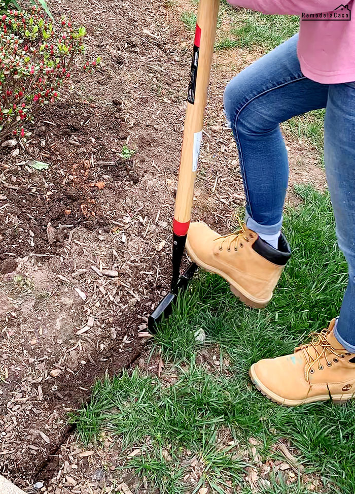 How to edge flower beds