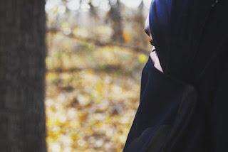 Bolehkah Muslimah Membuka Cadar