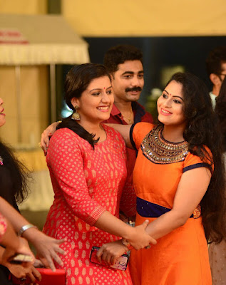 Dancer-Biju-Dhwani-Tarang-wedding-reception _95
