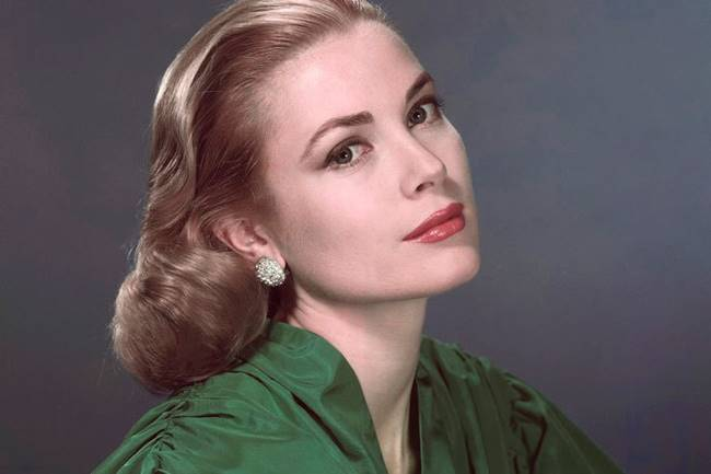 Grace Kelly before the transfiguration