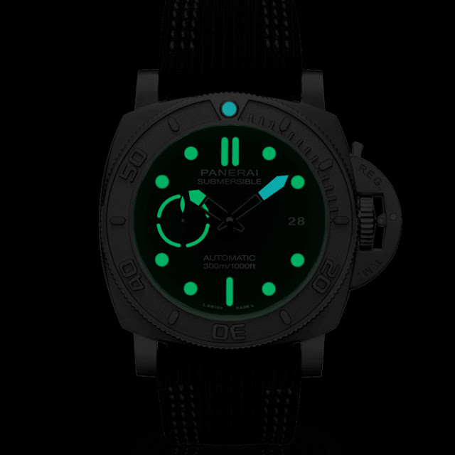 Lumeshot of the Panerai Submersible Mike Horn Editions PAM984