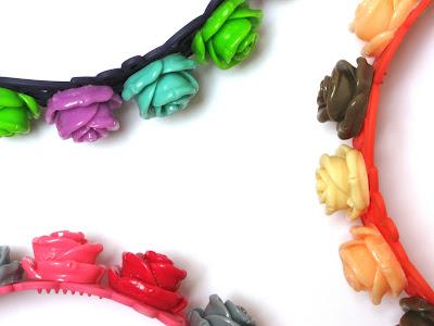 Haarbanden met resin roosjes