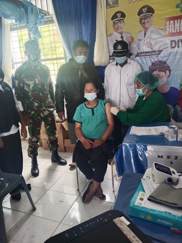 Vaksinasi Tahap Ke I Kepada Ibu Hamil Dalam Rangka Gebyar Vaksin Dimonitor Personel Jajaran Kodim 0207/Simalungun
