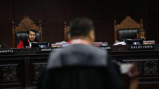 ketua-mahkamah-konstitusi-anwar-usman-memimpin-sidang-perdana-sengketa-pilpres-2019
