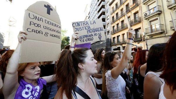 """Supremo de España dicta 15 años de cárcel para """"La Manada"""""""