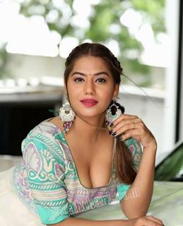 Tanya Desai HD Images