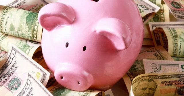 ways to live frugal lifestyle save money daily budget frugality