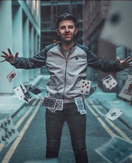Magician Dan Rhodes Biography