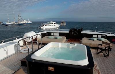 Tours Galápagos Yates de primera clase Crucero Yate Odyssey
