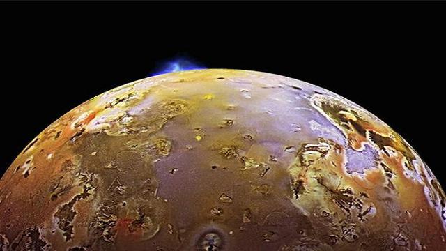 Io-Bulan-Jupiter-Miliki-Gunung-Berapi-Terbanyak