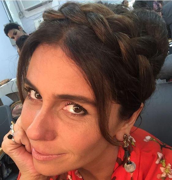 Alice (Giovanna Antonelli) coque com trança, Sol nascente, penteado
