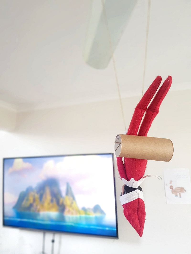 diy elf on the shelf swing with toilet paper roll
