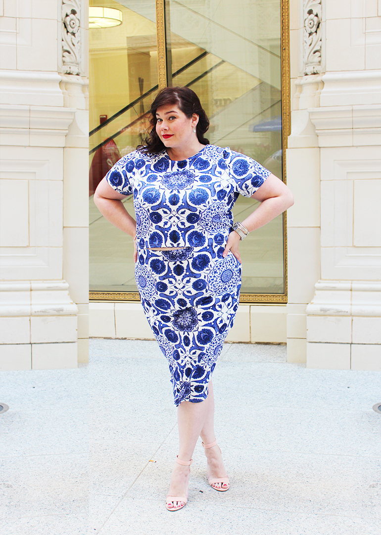 Plus Size Blogger Amber from Style Plus Curves in a Boohoo Plus Blue Floral Midi Pencil Skirt and Crop Top