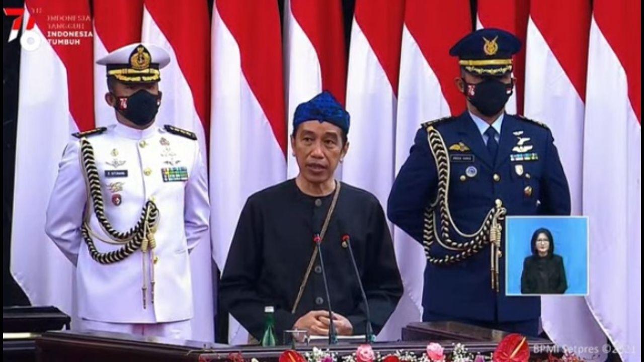 Sebut Nyawa Rakyat Jadi Hukum Tertinggi, Jokowi Dinilai Telah Jadikan Rakyat Sebagai 'Tahanan Kota'