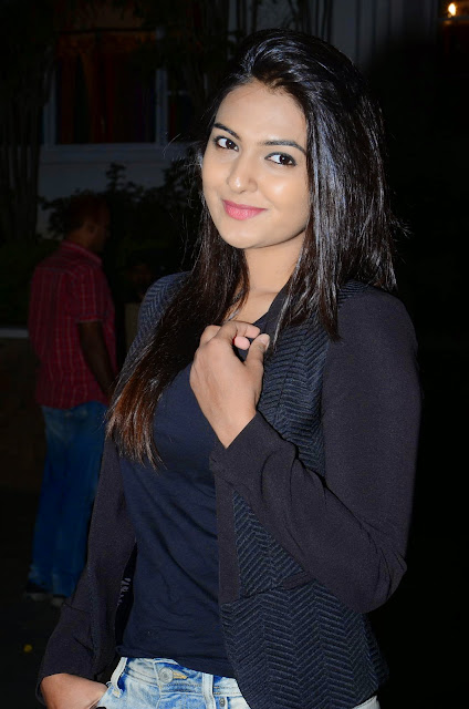 Neha Deshpande  #PAATALLOK PHOTO GALLERY  | PBS.TWIMG.COM  EDUCRATSWEB