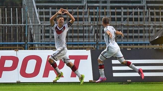 ad3e3aa6a8 Stark (4) comemora o gol nos acréscimos que salvou a Alemanha da derrota  (Sportsfile)