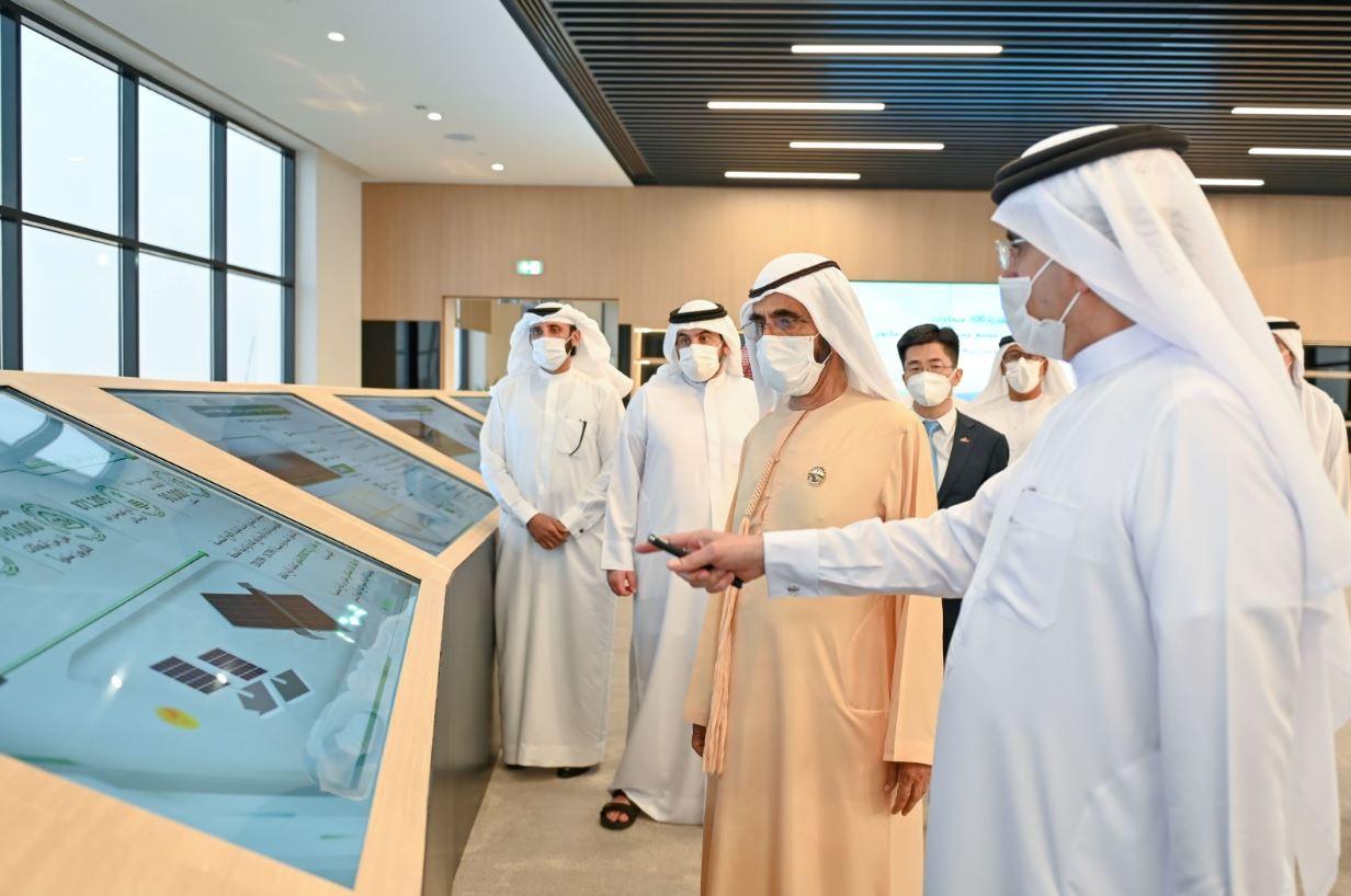 مجمع محمد بن راشد للطاقة الشمسية solar الأكبر على مستوى العالم لدعم الطاقة النظيفة