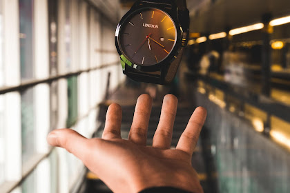 Jam Tangan - Arloji Portabel Yang Dapat Mengingatkan Kita Tentang Sifat Spiritual Kita