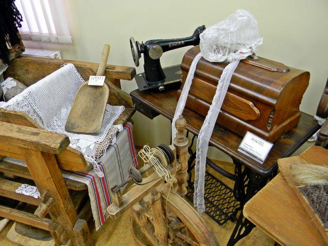 maszyna do szycia, muzeum, Podmokle, kołowrotek