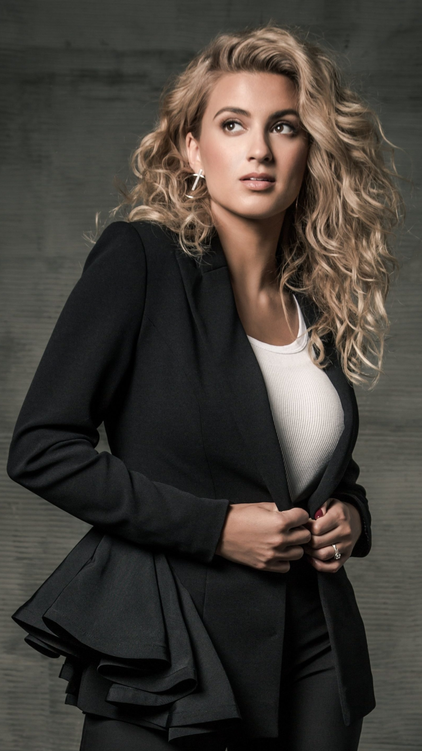Tori kelly 2020 mobile wallpaper