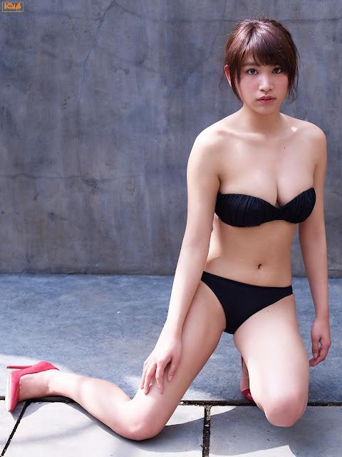 久松郁実 Hisamatsu Ikumi Bomb TV Images