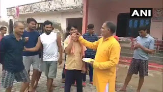Drinks in the people of the village of Dubey