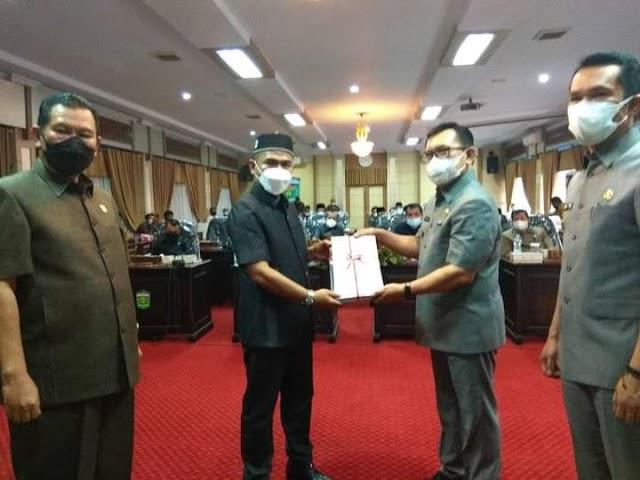 Wako Ahmadi Sampaikan KUA-PPAS 2022 ke Dewan