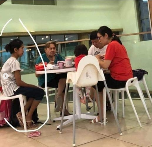 Sedih Melihat Pengasuh Anak Ini Hanya Memperhatikan Majikannya Makan