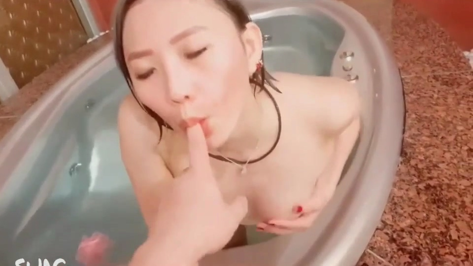 Mi Ouchun's heart is charming and teasing to seduce fans without a set of slapshots,AMATEUR, CHINA, HARDCORE, HOME, SWAG,米歐春心蕩漾嫵媚挑逗勾引粉絲無套啪啪顏射