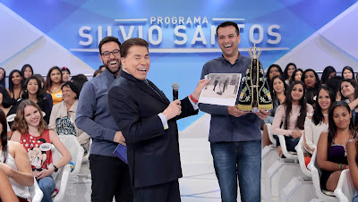 Silvio recebe homenagem do Santuário Nacional de Aparecida (Crédito: Lourival Ribeiro/SBT)