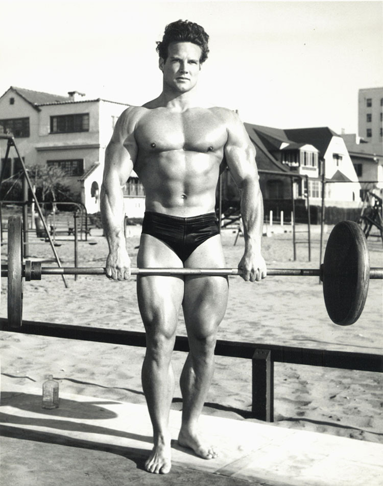 Museo lopi steve reeves memorial album for Classic builders