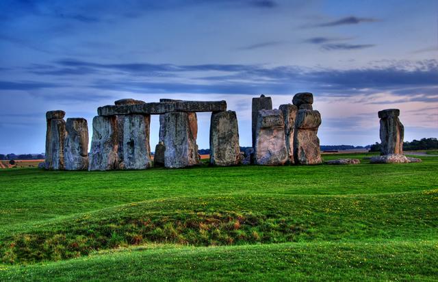 Stonehenge, Windsor Castle & Bath Day Trip