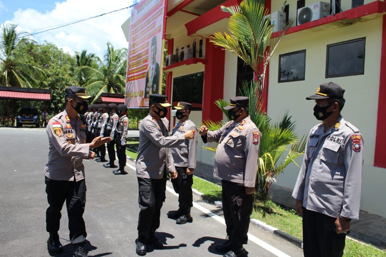 Kapolres Natuna Menyambut Kedatangan Kapolda Kepri Bersama Rombongannya