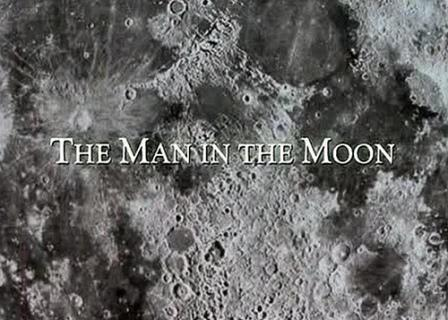 Bangkai manusia di bulan