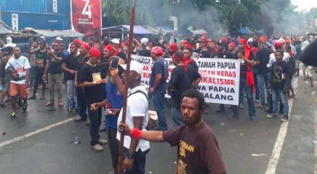 Aksi Unjuk Rasa Damai di Deiyai-Papua, Berujung Anarkis