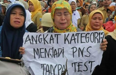 Tak Tepati Janji Angkat Guru Honorer, Pengamat Politik: Suara Jokowi Tergerus