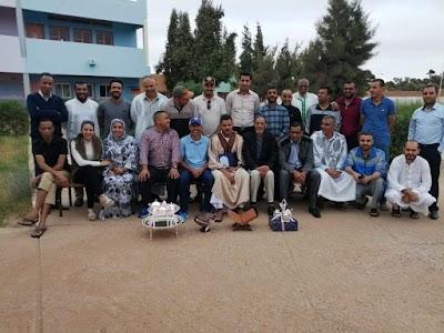بعد 23 سنة من العطاء في التعليم بالطنطان عبدالرحمان الشين يكرم من طرف زملائه بعد حركة إنتقاله إلى العيون