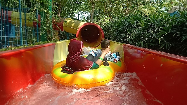 Transera Waterpark- Crazy cone