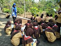 MTsN 8 Ngawi Manfaatkan Alam Sebagai Media Dan Sumber Belajar