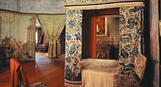 Interior de Holyroodhouse. Habitación de María Estuardo.