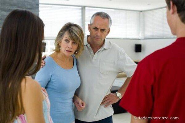 Padres se oponen al noviazgo de su hija